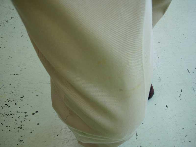 ユリの花粉を取った後のズボン