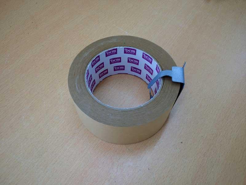 ユリの花粉を取るならガムテープ