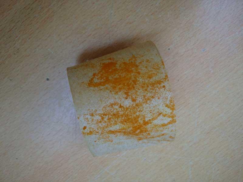 ユリの花粉を取った後のガムテープ