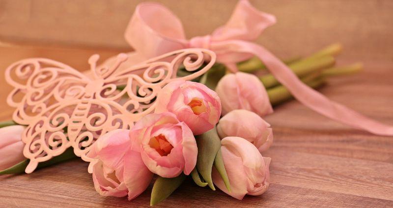 母の日の贈り物は花屋さんで買わないほうが良い理由